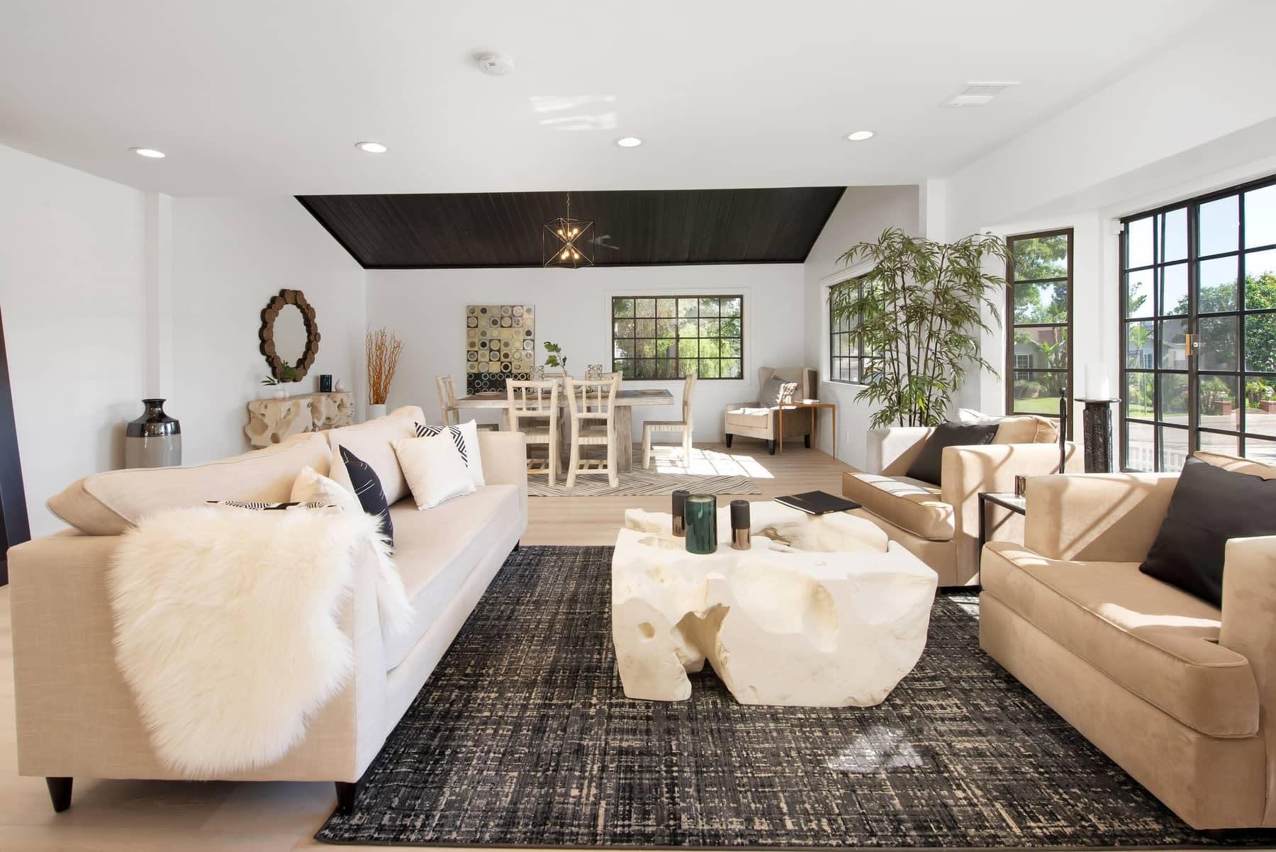 Jennifer Lopez Buys Encino Home