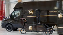 UPS to hire 100,000 for holiday season, up 5 percent from last year