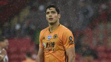 Raúl Jiménez se queda con los Wolves, renueva hasta 2024