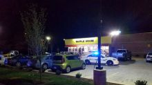 Four killed by nude gunman at Nashville waffle house