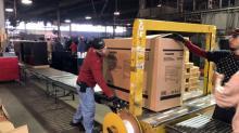 RESUMEN-Pedidos y envíos de bienes de capital en EEUU repuntan en febrero