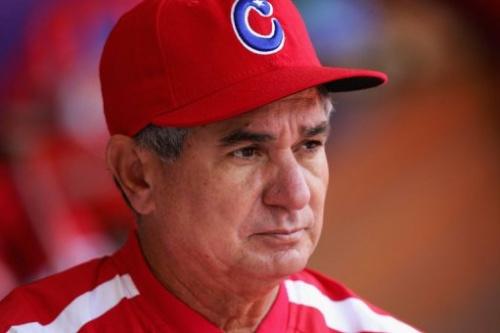El director del equipo cubano de béisbol Higinio Vélez en una foto de 2006