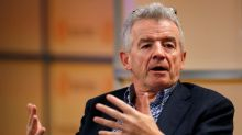 Ryanair trims winter plans, sees full service in autumn 2021