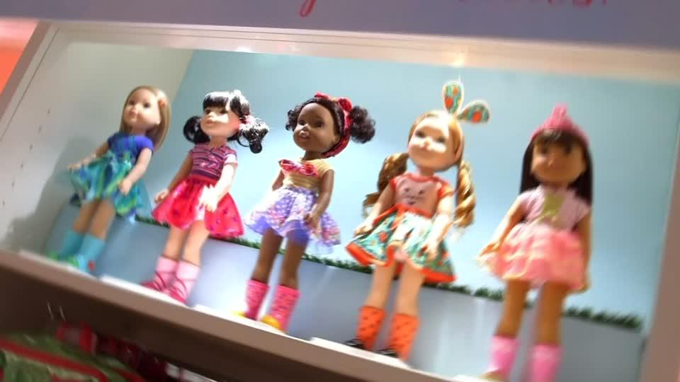 Mattel s american girl on sale in toys r us video for Cuisinette toys r us