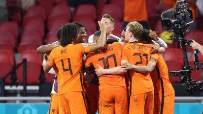 Gruppensieger! Niederlande erreichen Achtelfinale