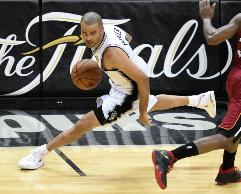 Four-time NBA champion Parker leaving Spurs for Hornets: reports