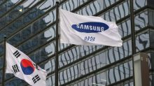 SamsungElectronics third-quarter net profit slumps 52%
