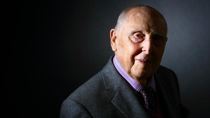 Hommage national à Daniel Cordier: le jour où l'ancien résistant a décidé de rétablir la vérité sur Jean Moulin