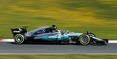 Valtteri Bottas, da Mercedes, durante sessão de treinos no circuito de Barcelona