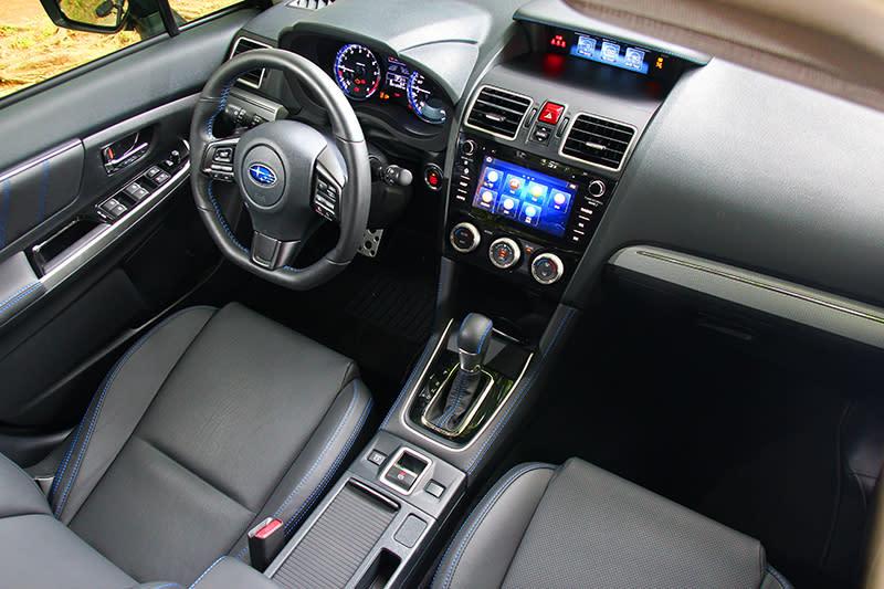 2.0車型無論外觀與內裝並無做任何改變全都與1.6車型相同,也沒有任何銘牌標註身分。