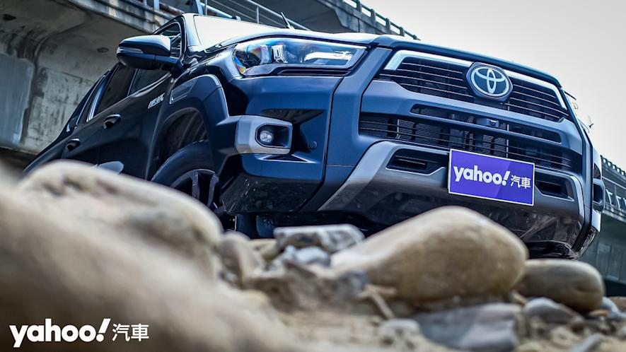 萬鈞之勢要輾壓的不只是惡地!2020 Toyota Hilux 2.8小改款西岸濱海試駕! - 4
