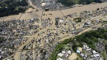 Hundreds of thousands of people flee amid severe flooding and landslides