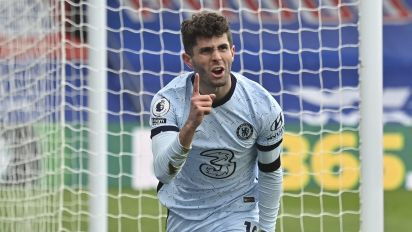 Pulisic scores two to fuel Chelsea win
