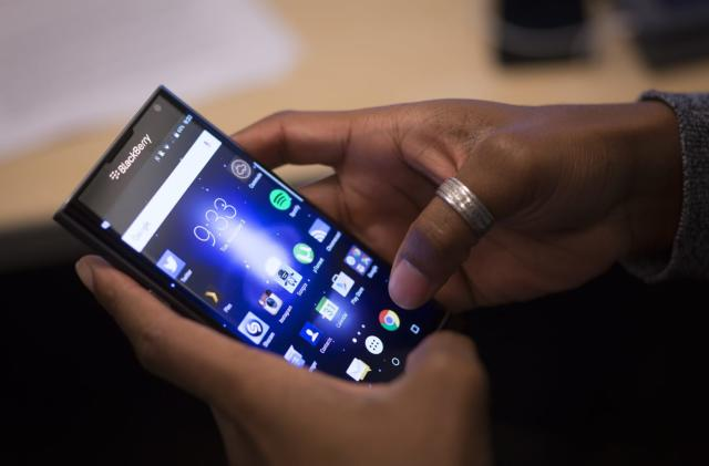 Report: BlackBerry lays off a third of its Waterloo staff (Updated)