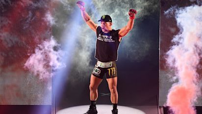 Former Bellator champ Chandler signs with UFC