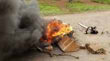 Gas lacrimógeno durante protesta por combustible en Zimbabue