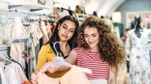Anhaltende Proteste in Textilfabriken:  Was steckt hinter den Labeln in unserem Kleidungsschrank?