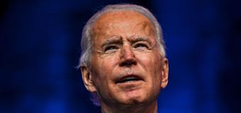 Biden says he will join ex-presidents in getting vaccine