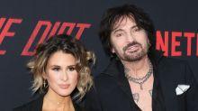 Tommy Lee parece criticar a su ex Pamela Anderson con una foto de su nueva esposa