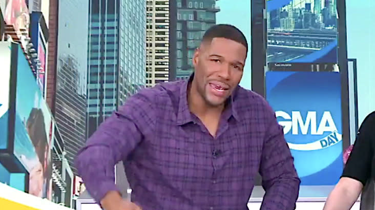 Michael Strahan Invites Clemson For Lobster After Trump's Fast-Food Buffet
