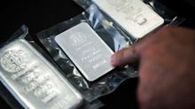 Gold Loses Momentum After Touching Record as Silver Whipsaws