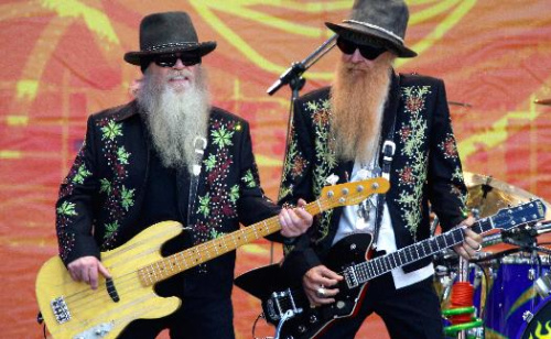 ZZ Top This! Bearded rockers cheer scruffy Red Sox
