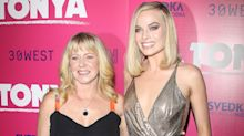 Margot Robbie Can't Contain Her Excitement as Tonya Harding Joins Her at 'I, Tonya' Premiere