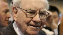 Warren Buffett Buys Suncor Energy Inc (TSX:SU): Should You Do the Same?