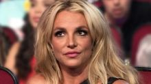 Fãs de Britney Spears fazem protesto em tribunal e alegam que ela foi internada contra a sua vontade