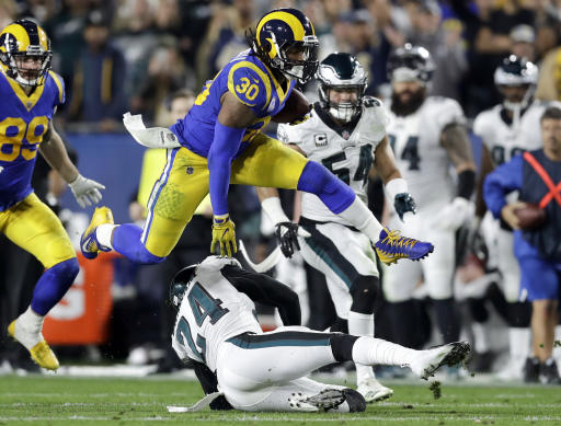 LA Rams Todd Gurley not saying much about health of knee