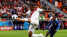 DT Perú dice Farfán estará en inicio eliminatorias con Paraguay, pero evita confirmar su titularidad