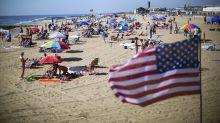 Los estadounidenses gastan más en sus vacaciones este verano, pero hay una trampa