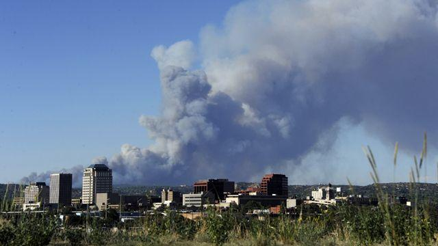 Wildfire forces prison evacuation near Colorado Springs