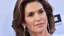 Cindy Crawford Shows Off Her Natural Skin In a Completely Unfiltered, No-Makeup Selfie