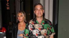 Robbie Williams compara los pechos de su esposa con el cubismo de Picasso