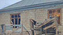 Baku: Armenia bombarda territori densamente popolati Azerbaigian