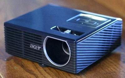 Acer K10 pocket projector finally lands in the UK