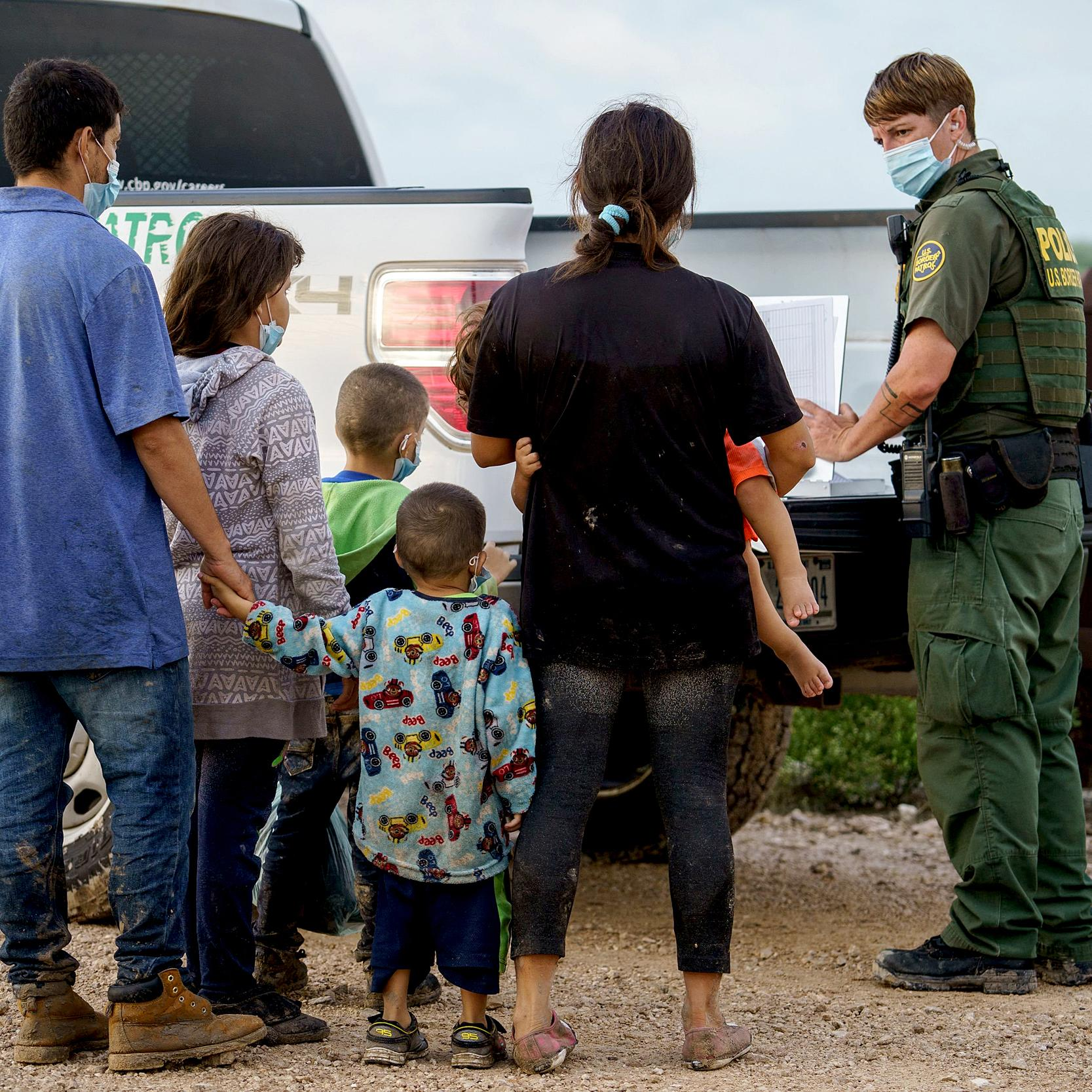 ICE to begin processing migrant families to relieve overcrowded border patrol stations