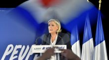 France's Le Pen struggles with fear of far-right
