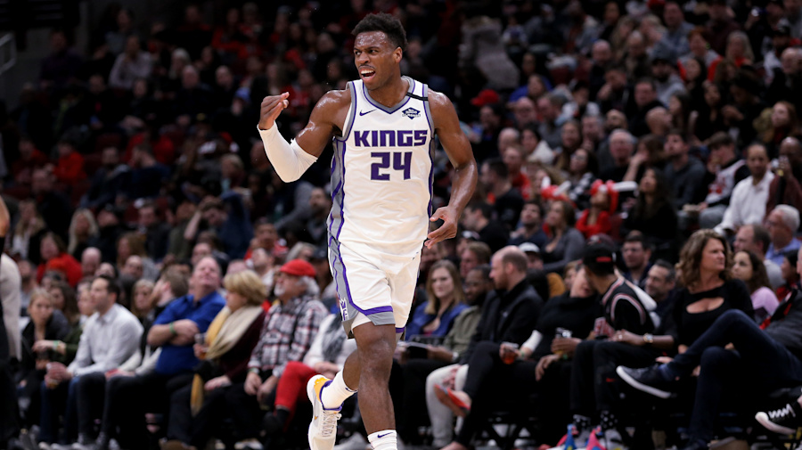Buddy Hield drops 21 to lead Kings past Bulls after Luke Walton benches him