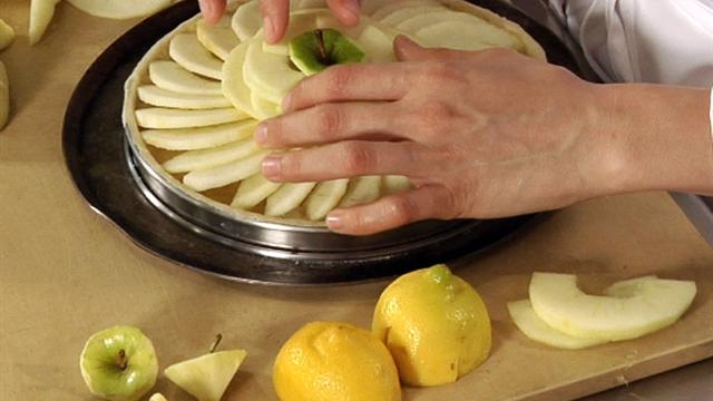 Make your apple tart look store-bought
