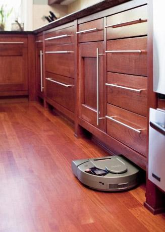 Neato's XV-11 robot vacuum maps out your floor for efficiency, doesn't ask for weekends off
