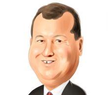 Where Do Hedge Funds Stand On Deere & Company (DE)?