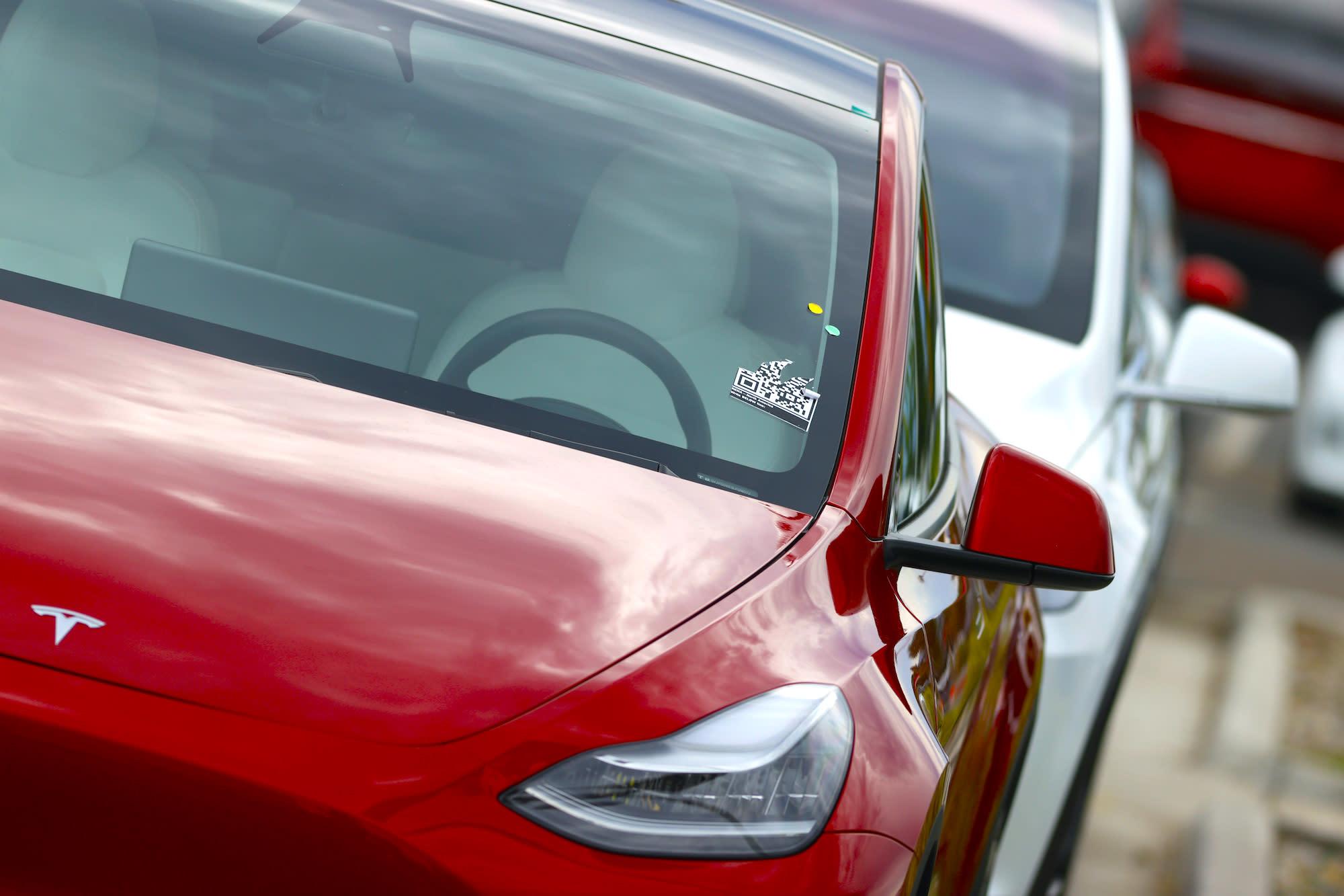 Tesla posts surprise Q2 profit, ramping up cash despite coronavirus