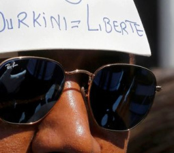 French court suspends burkini ban, controversy goes on