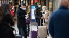 """""""Cette fois-ci, on ne reste pas bloqués"""" : dans les gares, les Parisiens fuient au vert"""