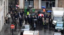 """Attaque à Paris : Jean Castex exprime sa """"solidarité"""" avec les familles et les collègues des deux blessés à l'arme blanche"""