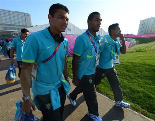 Fútbol - Thiago Silva afirma que la motivación es mayor tras la visita a Villa Olímpica