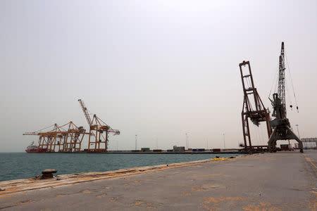 View of the Red Sea port of Hodeidah, Yemen June 24, 2018. REUTERS/Abduljabbar Zeyad