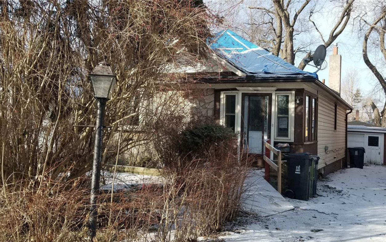 They paid what??: Toronto house overrun with mould fetches $650,000